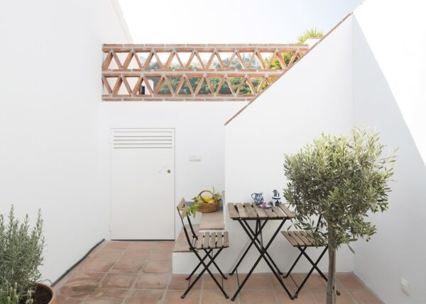 New extension to Andalusian finca completed
