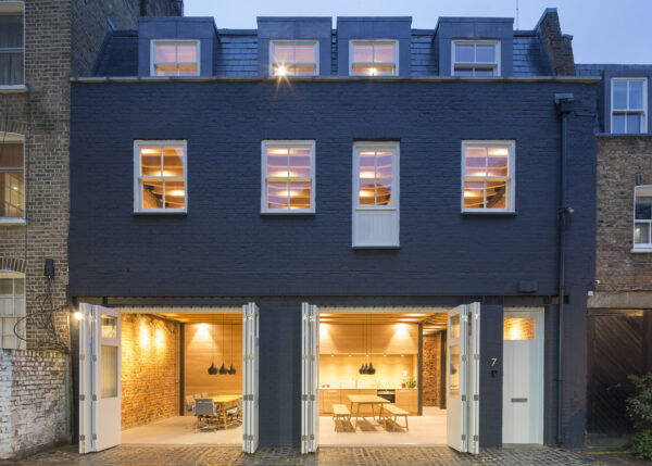 """""""Edward Williams Architects Converts Historic Mews to London Workplace"""" Architectural Record"""